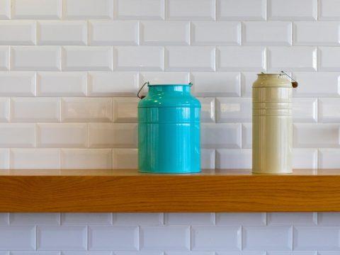 Jak się produkuje płytki ceramiczne - czy wszystkie tak samo?