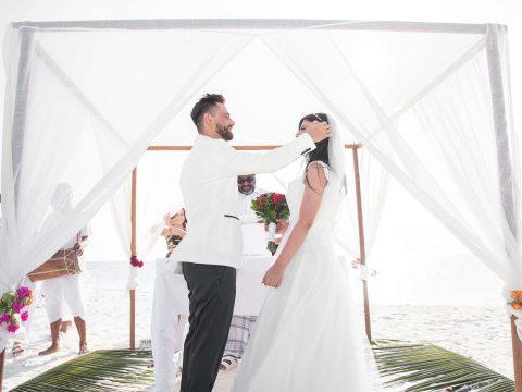 Skąd wziąć parkiet do namiotu weselnego?